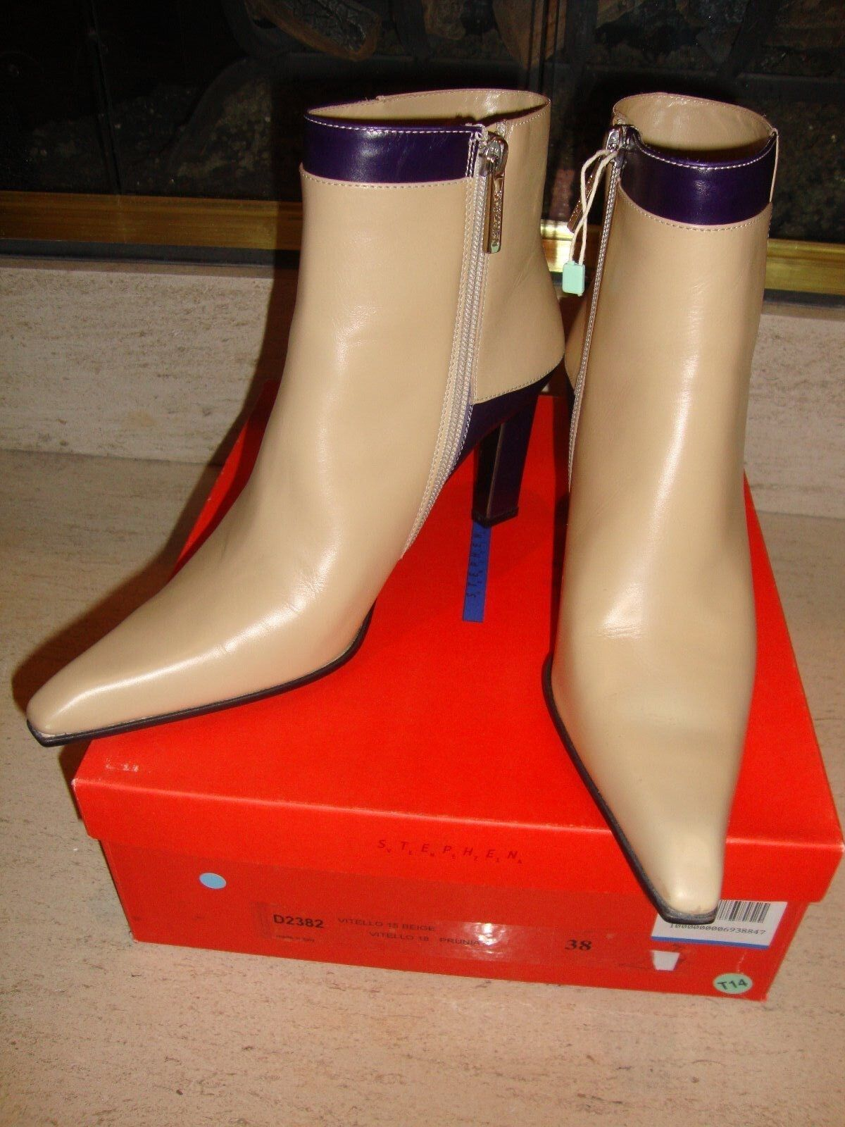 GORGEOUS, SUPER RARE, BRAND NEW, 2-TONE LEATHER ANKLE BOOTS BY STEPHEN (NWB)