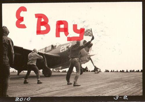 WWII 5X7 ACTION PHOTO 2.17.1945 IWO JIMA ON FLIGHT DECK OF U.S.S.BENNINGTON #13