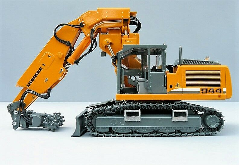 WSI - CONRAD NZG 808 LIEBHERR R944 C Tunnel Excavator -1 50 -  NEW HARD TO FIND