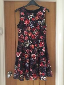 Quiz Floral Patterned Dress Size 12 Uk Skater Fit Flare Lined Red Hourglass Ebay