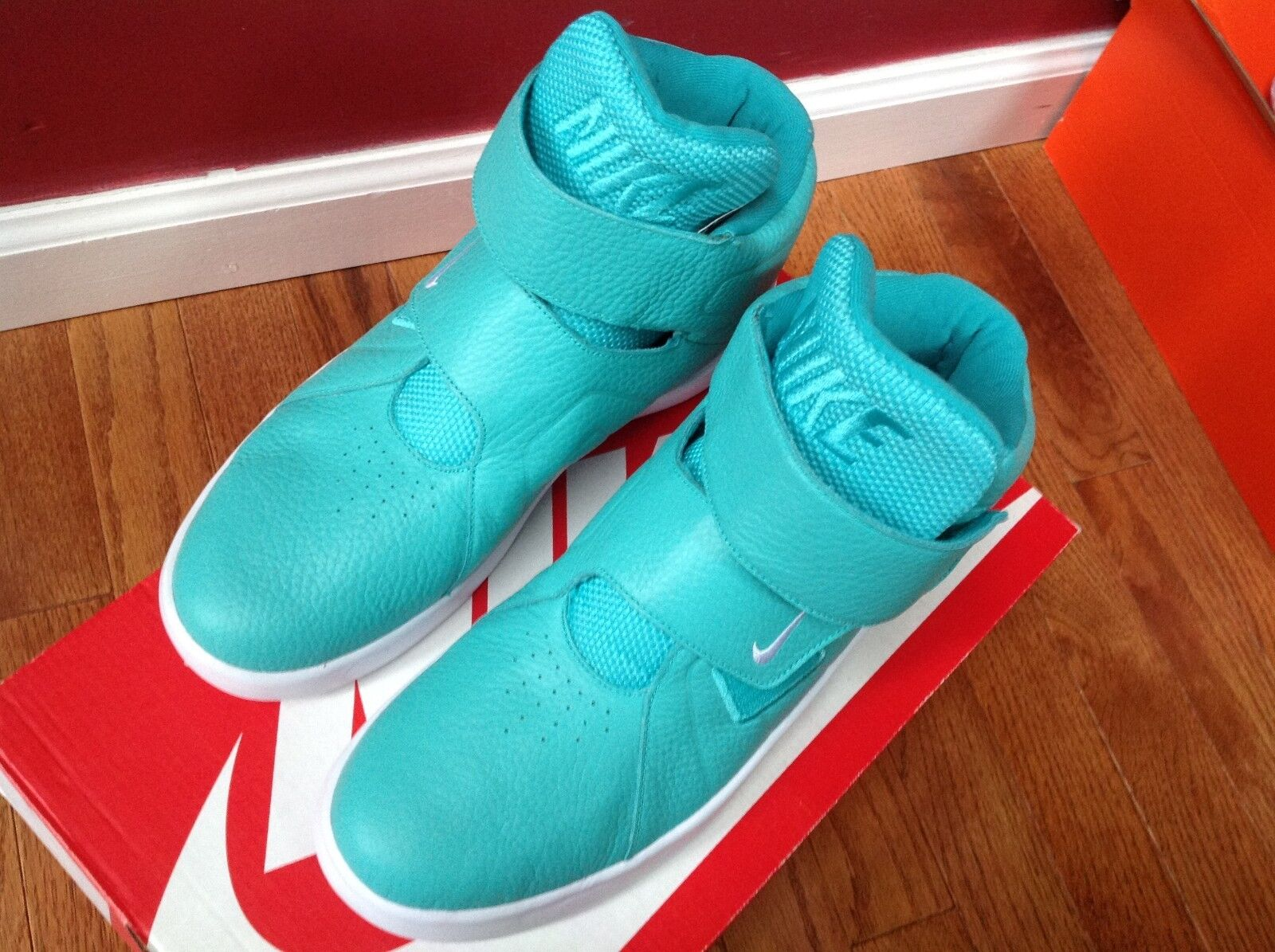 Nike Men's Marxman Hyper Jade & White Synthetic Leather Basketball shoes SZ 9
