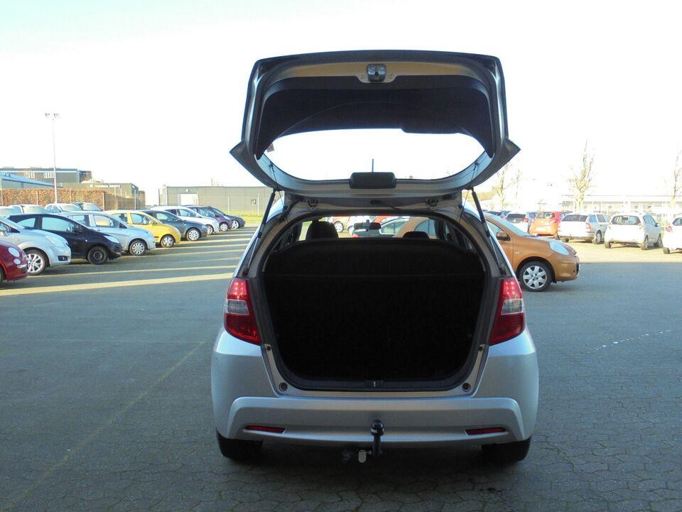 Honda Jazz 1,4 Comfort Benzin modelår 2011 km 106000