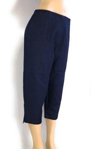 Women/'s Plus Sizes Denim Stretch Back Zipper Closure Tapered Capri Pants NWT.