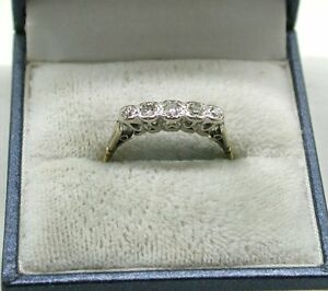 Vintage-Lovely-18ct-Gold-Five-Stone-Diamond-Ring