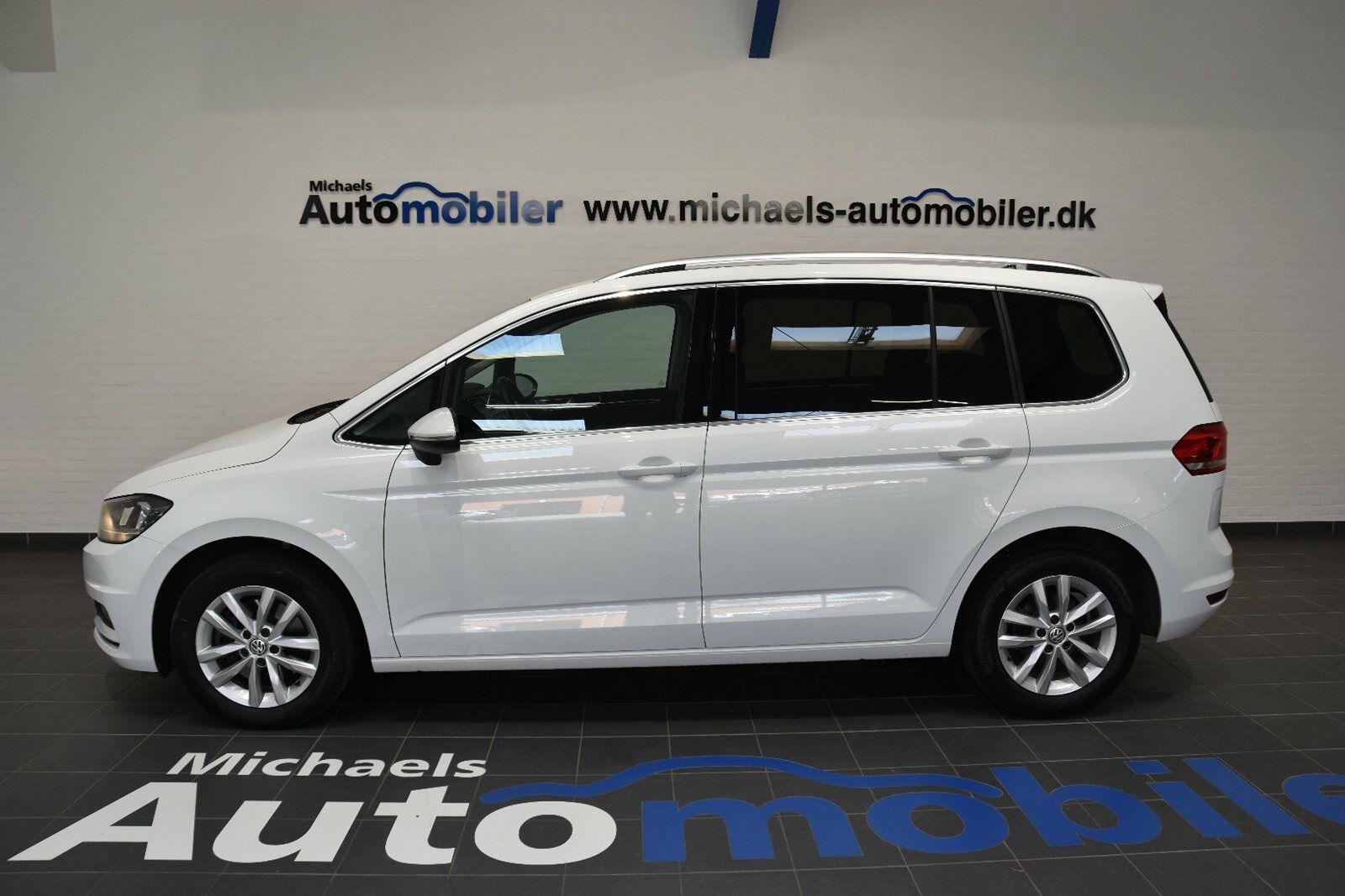 VW Touran 1,6 TDi 115 Highline DSG BMT 5d - 353.500 kr.