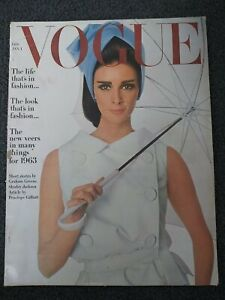 January 1963 VOGUE Magazine - Women's Fashion