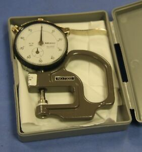 1-Used-Mitutoyo-7300-Dial-Thickness-Gage-Graduations-0-001-034-Range-0-0-4-034