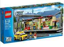 LEGO® City 60050 Bahnhof Taxi NEU WASSERSCHADEN_ Train Station NEW WATER DAMAGE!