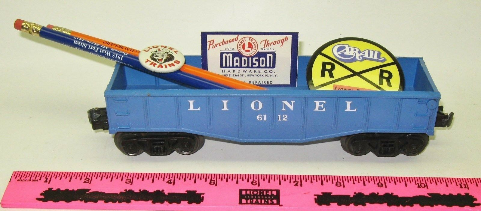 Lionel New 6112 Lionel gondola with pins & pencil made by Madison