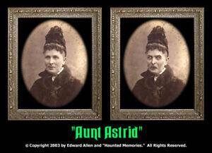 Aunt-Astrid-5x7-Haunted-Memories-Changing-Portrait-Halloween-Lenticular