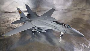 Herpa-Wings-82TSMWTP002-Northrop-Grumman-F-14A-VFA-2013-104-Top-Gun