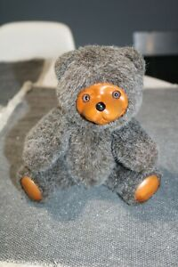 WOOD-FACE-JOINTED-PLUSH-TEDDY-BEAR-APPLAUSE-RAIKES-BEARS-1986