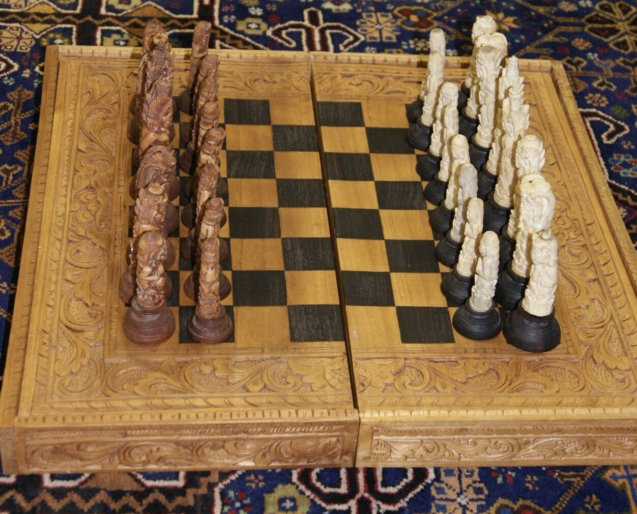 Rare Balinese Deer Antler He autoved Chess  Set  articoli promozionali