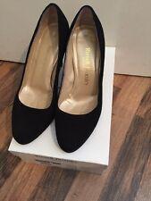 Precioso Russell and Bromley Negro Gamuza Tribunal Zapatos Talla 4
