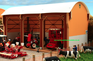 BRUSHWOOD TOYS DUTCH BARN - TRACTOR SHED BT8980 1 32 SCALE NEW