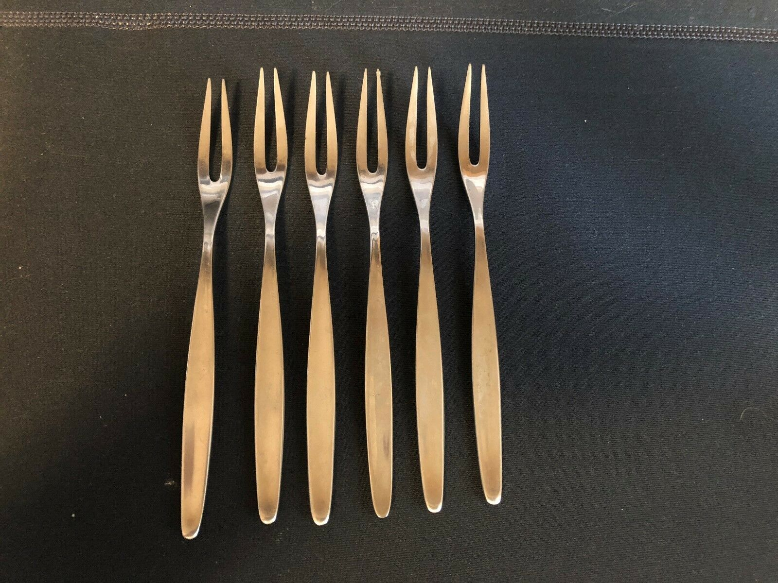 RARE  Lot of six WMF Cromargan Germany Olive Seafood stainless steel Forks Laure