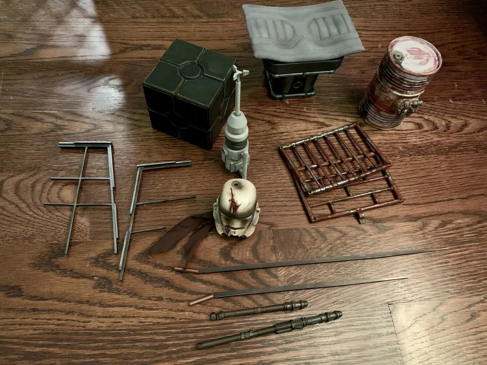 Custom Hot Toys Star Wars 1/6 Scale Sideshow Fodder Accessories Loose Lot on eBay thumbnail