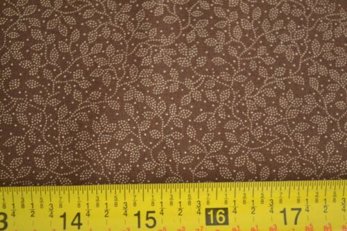 By 1//2 Yd Tan on Brown B418 Moda//Kansas Troubles//Cattails /& Clover//9333 13