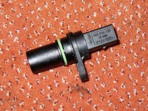 Intermotor Crank Sensor 19261 Replaces 06H906433,XREV559