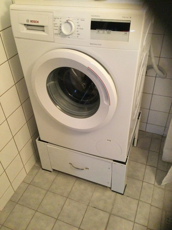 Andet mærke vaskemaskine, tilbehør, b: 63 d: 54 h: 31