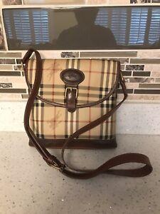 Vintage-Burberry-Beige-Vinyl-Coated-Canvas-amp-Leather-Check-Flap-Crossbody-Bag