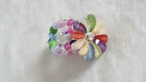 UNIQUE-PASTEL-MULTICOLOR-PRETTY-BEADED-FLOWER-ELASTIC-FASHION-RING-ONE-SIZE
