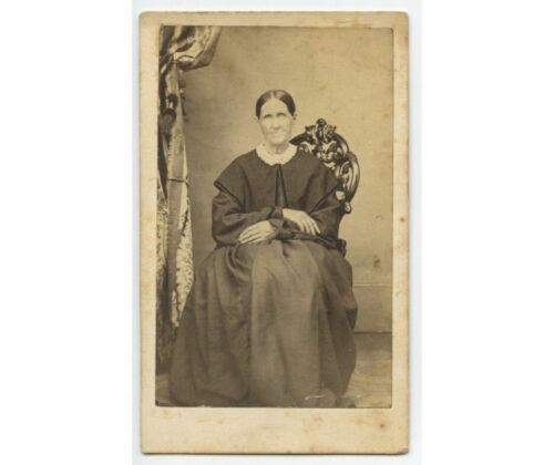 CIVIL WAR ERA LADY IN BEAUTIFUL LONG DRESS IN ORNATELY CARVED WOODEN CHAIR CDV