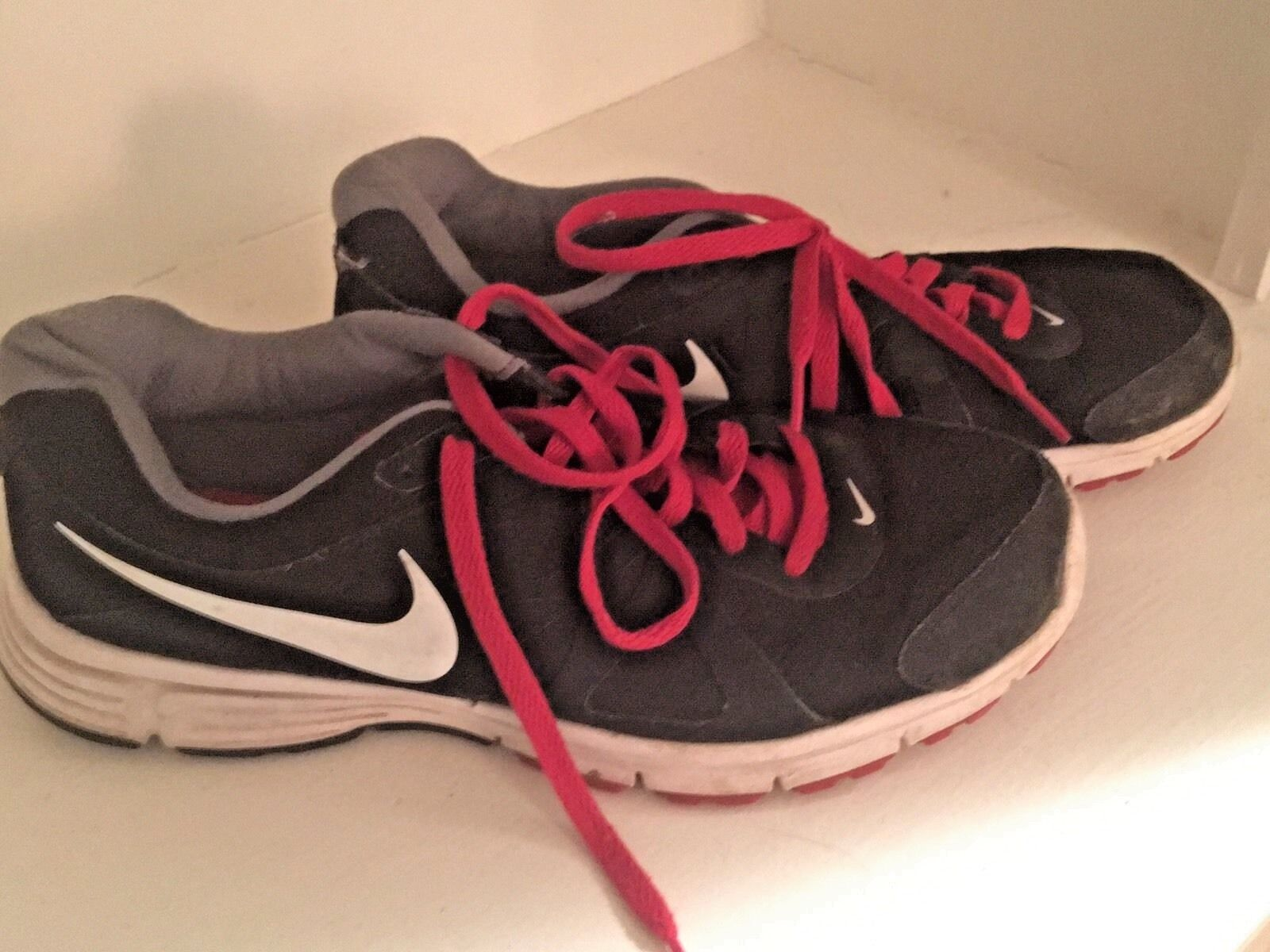 Nike Men's Revolution Athletic 2 Sneakers Size 11 Athletic Revolution Running Shoes Black Red 7d9677