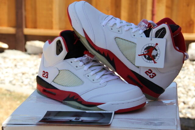 Nike Men's 2006 Air Jordan V 5 Retro White Fire Red-Black SZ 10.5 - (136027-162)