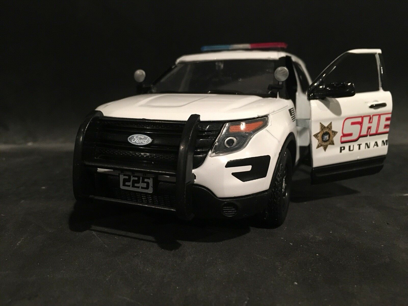 Putnam County Sheriff NY 1 24 24 24 Scale Ford Explorer Police SUV 6cc1d1