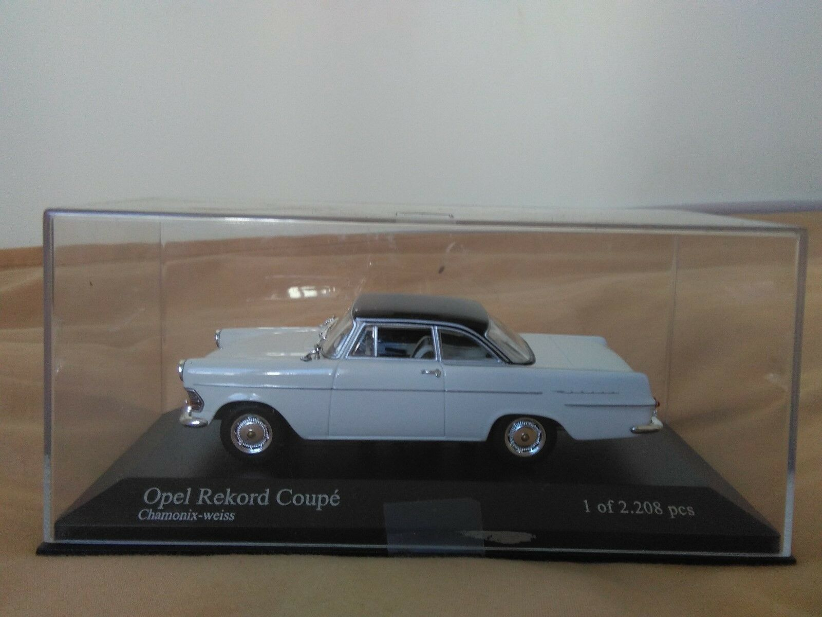 Se vende miniatur minichamps 1 43 opel rekord - coup é de 1960 - 1962.1. de 2208.