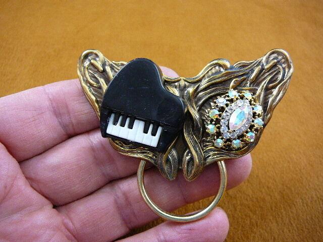 (#E-311) Piano love glasses Eyeglass pin pendant ID badge holder