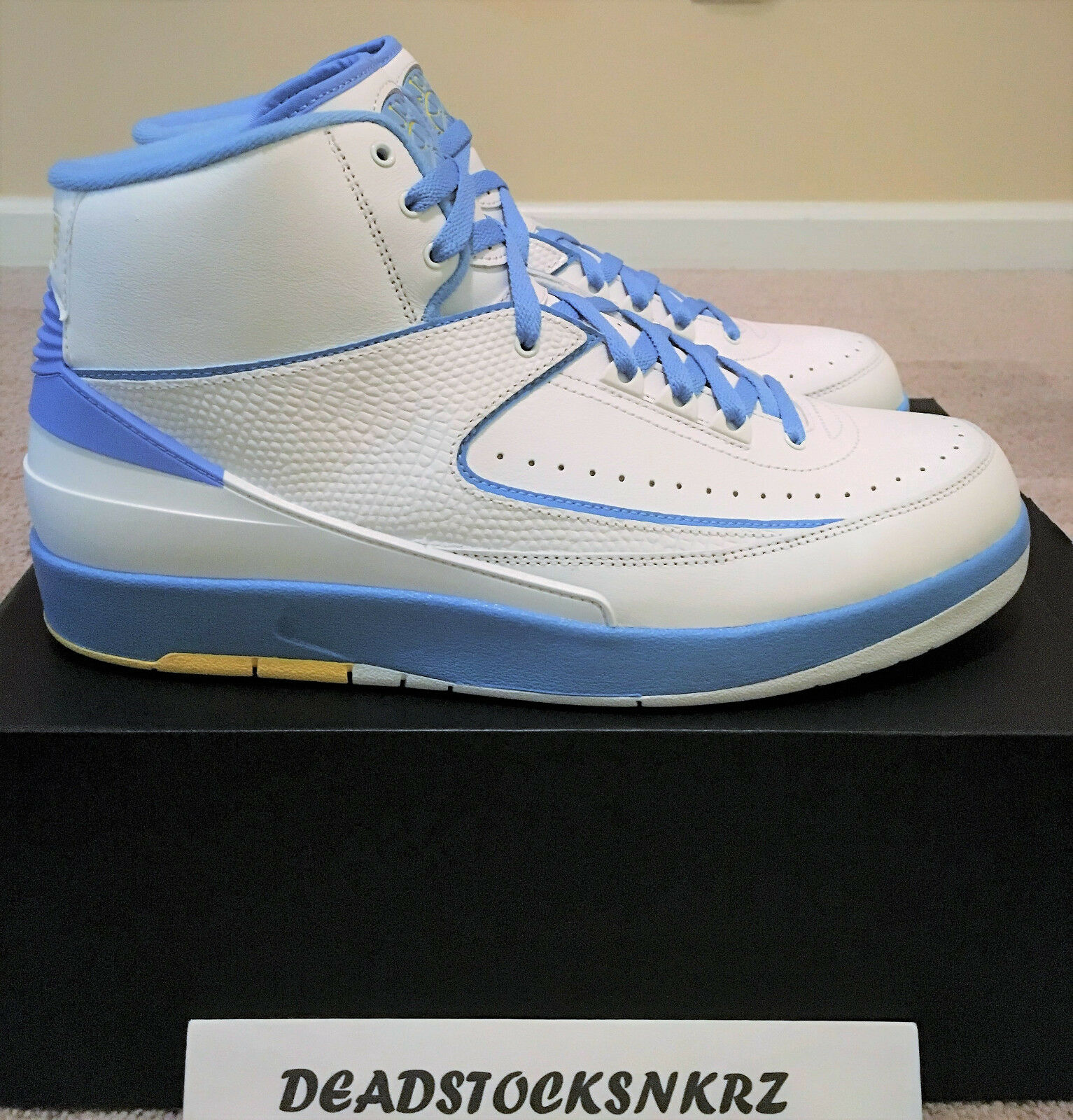 Nike Air Jordan 2 II Retro Melo White University bluee 385475 122 Size 10.5 & 12