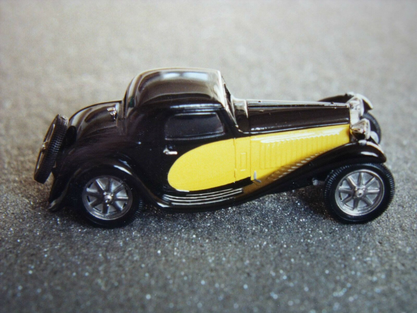BUGATTI  55  COUPE  1932  JEAN  BUGATTI  VROOM   A  MONTER  UNPAINTED  KIT  1 43