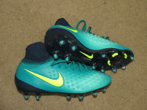 yellow+black soccer cleats