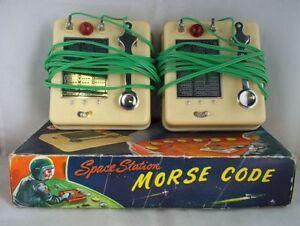 Coffret de signalisation à code Morse de la station spatiale C.1950 n ° 107