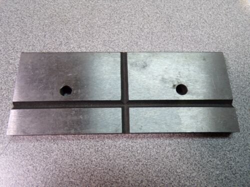 K Grooved Jaw Plate Item # 45L623 FOR DAYTON Vise Angle