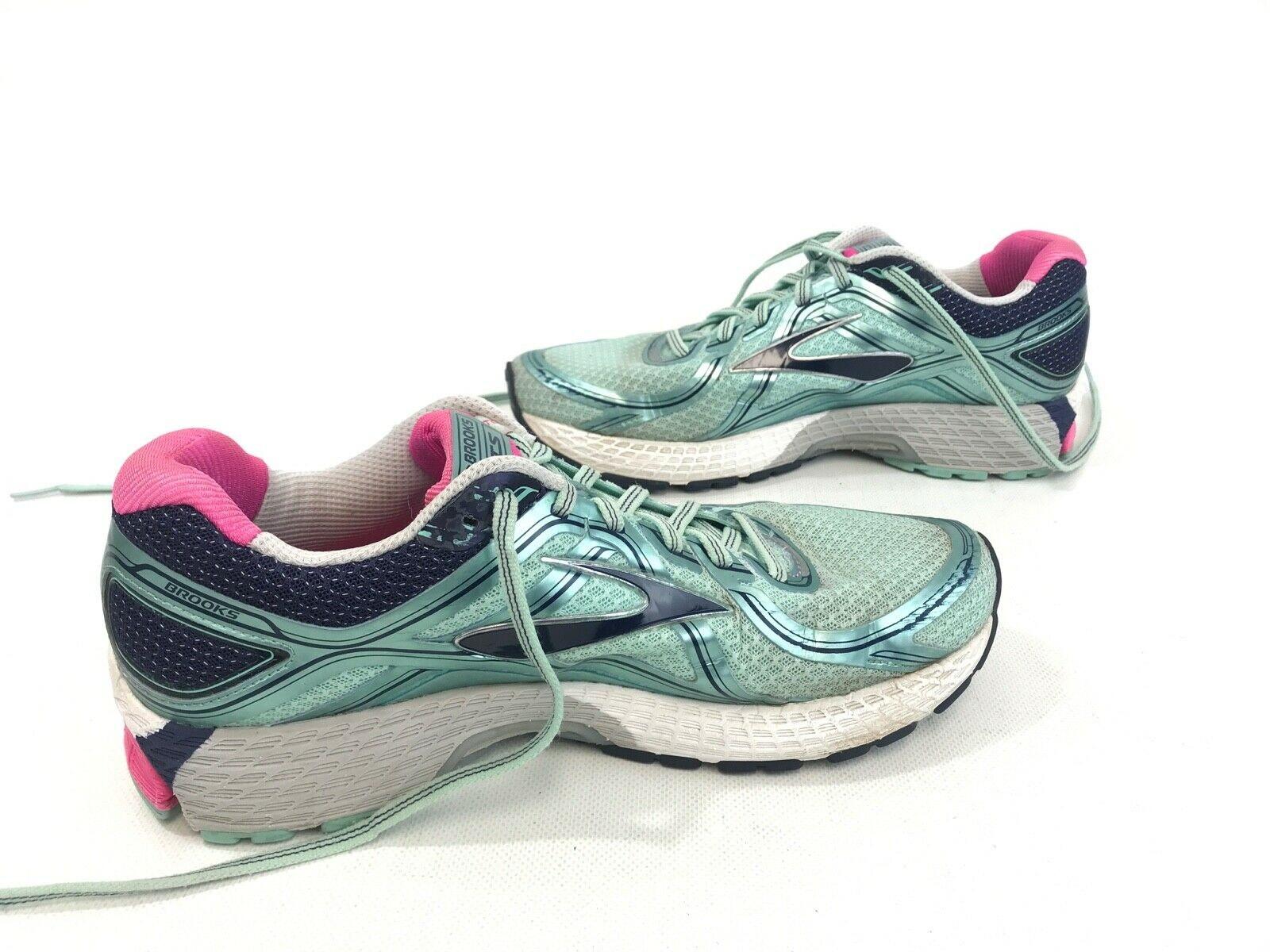 Brooks Adrenaline GTS 16 Running shoes Women Size 11 M Turquoise Pink EUC