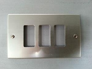 Placca placche per interruttori da 3 moduli alluminio con viti magic posti ebay - Placche per interruttori ...
