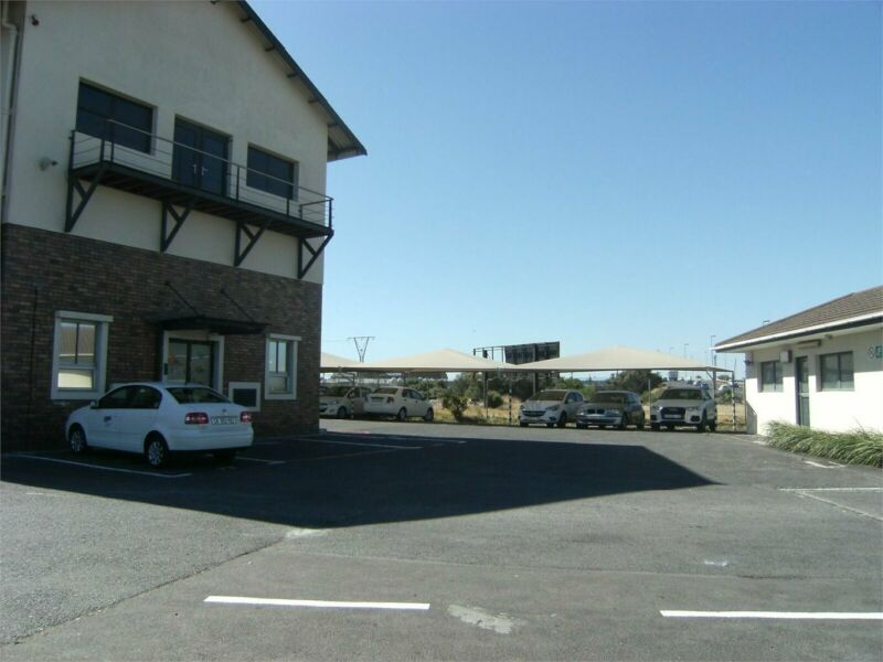 COST EFFECTIVE OFFICE RENTAL CLOSE  TO ARTERIAL LINKS