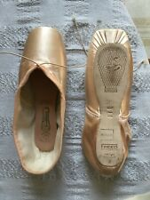 all makers 1XXX Size 1X  1XX Pink Satin Freed Classic pointe shoes
