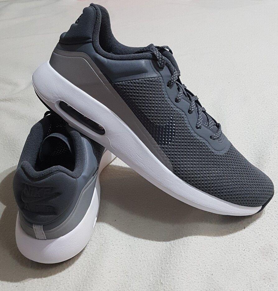Se Moderne Gris Foncé Baskets Entrainement Air Max Nike qvOIIt