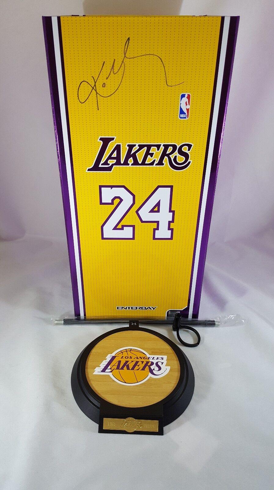 ENTERBAY 1 6 Lakers Baloncesto Leyenda Kobe Bryant Figura de acción de la base Soporte G