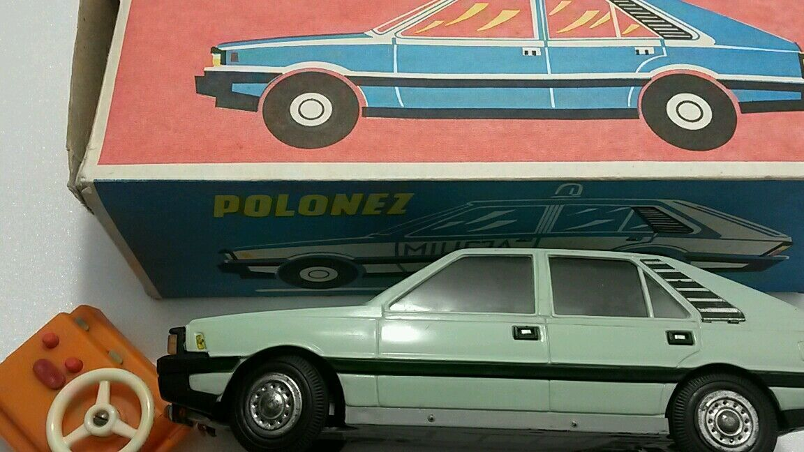 VINTAGE VINTAGE VINTAGE FIAT 126p TOY POLSKI CZZ-4046 FSO FSM LARGE PLASTIC FRICTION POLAND RARE 39e15a