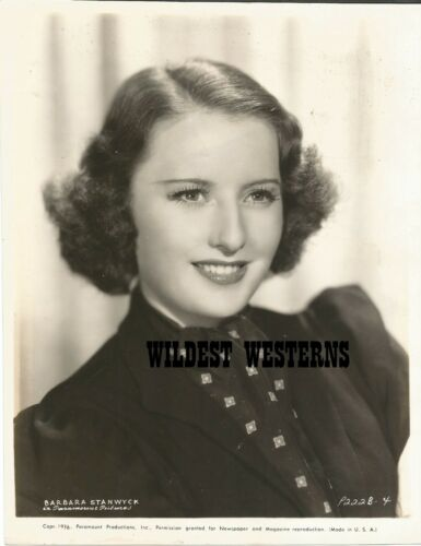 BARBARA STANWYCK rare VINTAGE ORIGINAL PHOTO Big Valley Star CUTE PORTRAIT