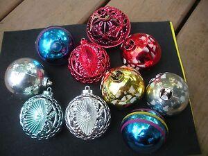 Set Of 10 Vintage Plastic Christmas Ornaments All 2 1 2 Round Ebay