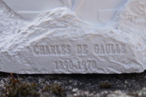 RE0298 FIGURINE STATUETTE REPRODUCTION GENERAL CHARLES DE  GAULLE  STYLE ALBATRE