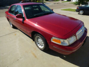 Ford Crown Victoria LX 2001