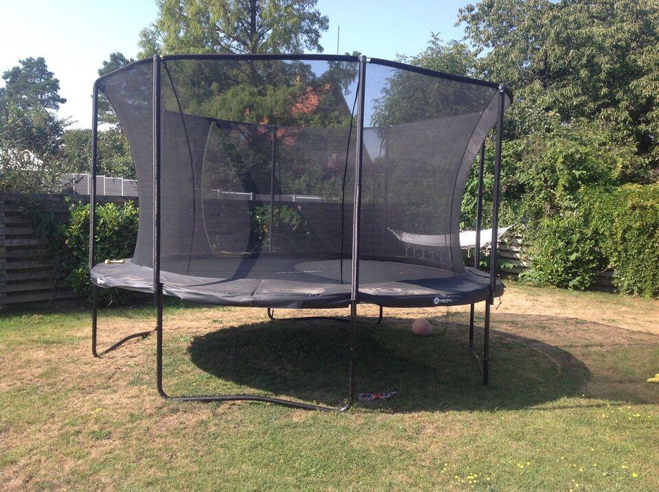 Trampolin, North trampolin