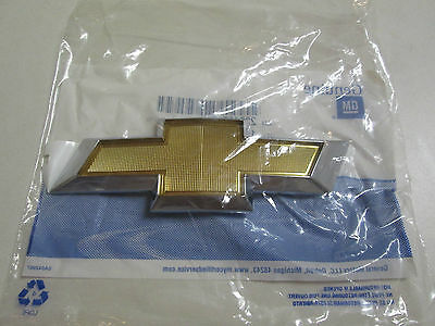 2010-2013 CHEVROLET CAMARO REAR TRUNK DECK LID BOWTIE EMBLEM 20946747 22761890